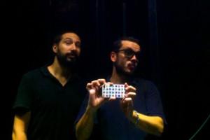 Dj Pansequito y Mc Kamboya en la oscuridad de su cabina-pegolete